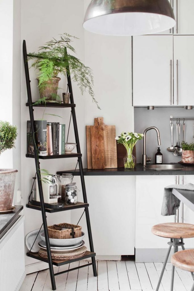 6 Ways to use ladders