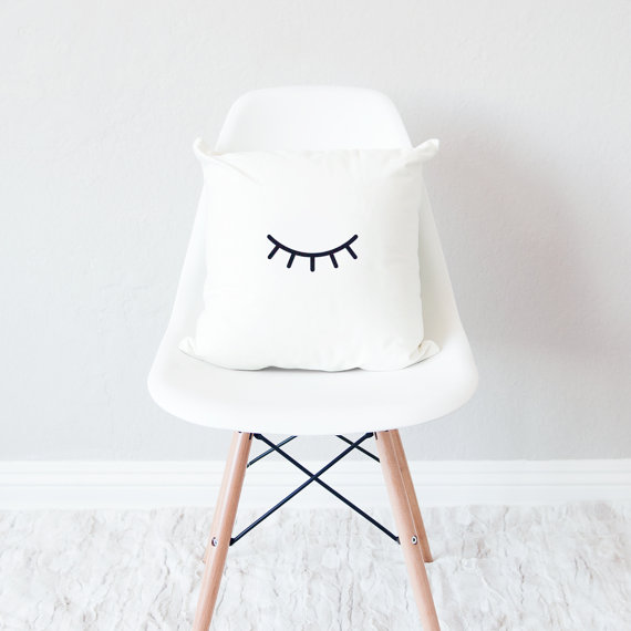 The cheapest minimal home decor finds on Etsy! Minimal, minimal home decor, cheap, under $50, marble, pillow, brass, candle, wall art, black and white, natural materials